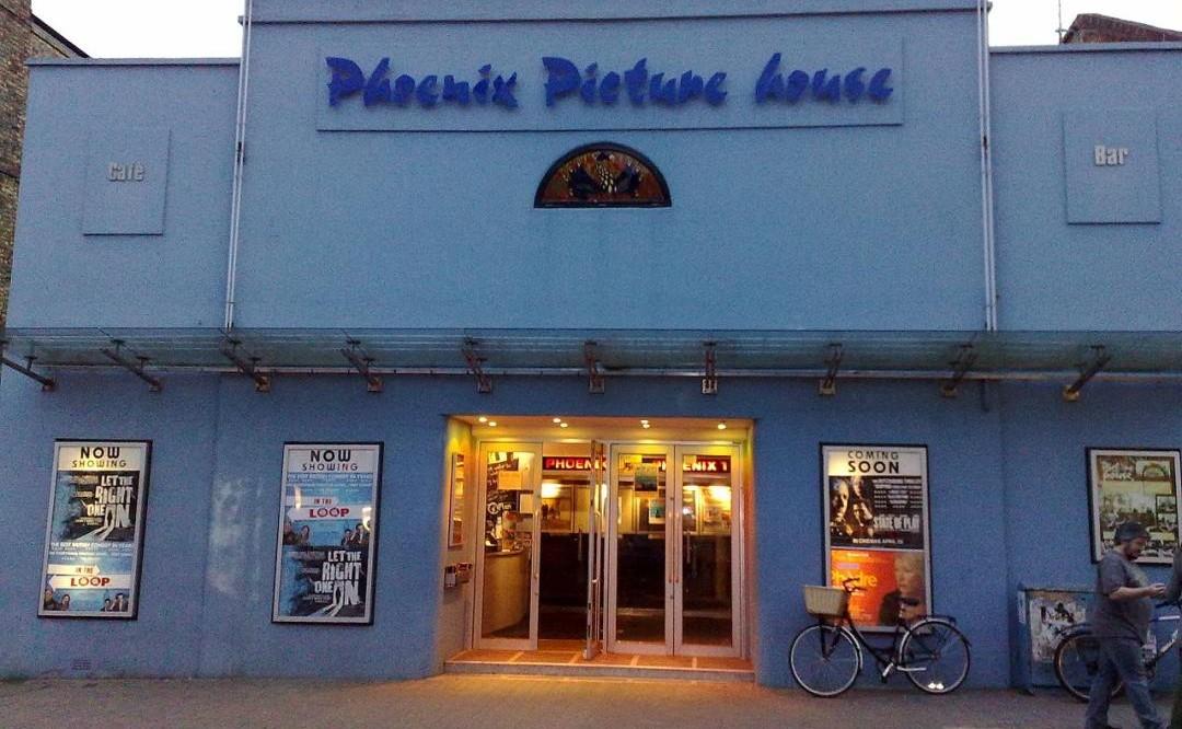 Kino mit Schaukasten. ©  Decitype
